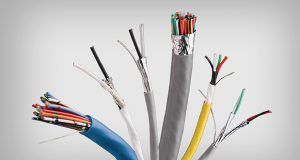 Con el nombre de SpaceMaker está denominada la nueva línea de cables electrónicos del fabricante. La serie cuenta con cables flexibles y de un diámetro más pequeño para ayudar a manufacturar dispositivos y máquinas con espacios restringidos.