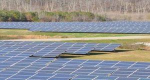 El fabricante de productos de energía solar anunció el lanzamiento de su nueva subsidiaria JA Solar México SA de CV. Sobre la base de una investigación del sector, la compañía considera un enorme potencial de crecimiento en los mercados de América Latina y el Caribe, especialmente en México y Chile. Los analistas esperan que para 2020 América Latina represente el 10% de la demanda FV mundial y que para 2021 la capacidad solar instalada en México superará los 40GW. Asimismo, la generación distribuida está captando una cuota creciente del mercado solar en América Latina, particularmente en México y Brasil. Esta subsidiaria dará soporte al esfuerzo de ventas y marketing de JA Solar en América Latina y el Caribe, a la vez que pone de manifiesto el compromiso de la compañía con la región.