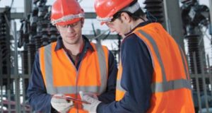 Por Jean Pascal Tricoire, CEO y presidente de Schneider Electric: Las industrias intuitivas son una realidad. El incremento en la digitalización exige un control adaptado y lleva a la conectividad, la cual permite un flujo bidireccional de información y energía. Esto permite que exista un mundo aún más eficiente. Creemos firmemente que la automatización y la eficiencia energética activa serán los líderes en el sector industrial.