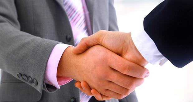 Extreme Networks anunció que ha firmado un acuerdo de compra de activos con Brocade Communications Systems, para adquirir su negocio de centros de datos que incluye switching, rounting y análisis (SRA). Se espera que la transacción cierre dentro de 30 días y está sujeta a la satisfacción o renuncia de las condiciones de cierre.