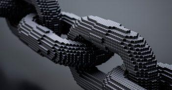 Easy Solutions, parte de Cyxtera Technologies, alerta sobre cómo el usuario sigue siendo un eslabón más débil en la cadena de seguridad, por lo que considera clave que las organizaciones inviertan en autenticación multifactorial avanzada.