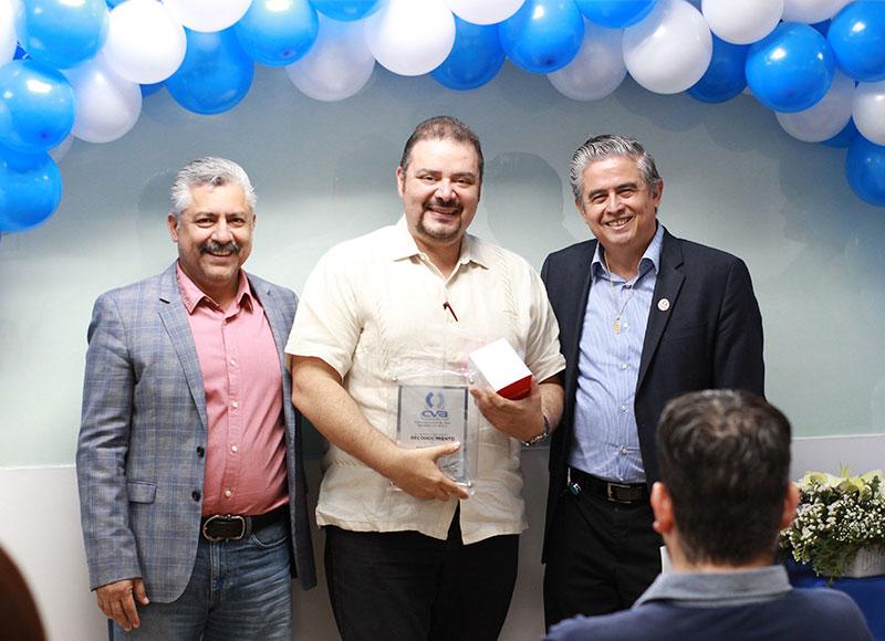En agradecimiento a la fidelidad y trabajo de los colaboradores con más de cinco años de antigüedad dentro del Grupo CVA, el mayorista hizo entrega de reconocimientos.